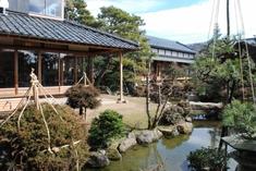 愛山荘が国の有形文化財に登録されることなりました。