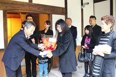 愛山荘への来館者10,000人達成致しました。