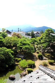 豊かな水のせせらぎが涼しい愛山荘の夏です。